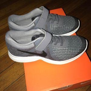 Nike boys size 1, brand new in box